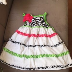 Adorable dress for a birthday party this summer